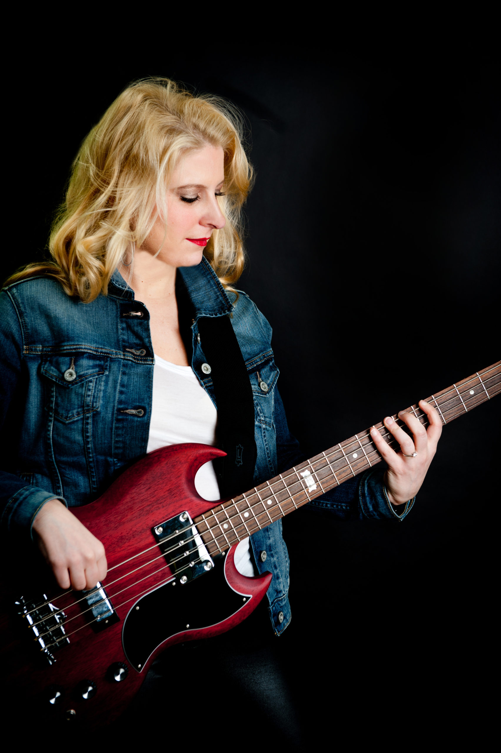 Bass Guitar Magazine Article – It's Me!